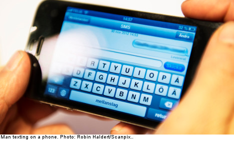 Cop avoids sacking for 'sexting' teen girl