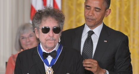 Pot-smoking Dylan 'not worthy' of French honour