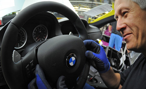 BMW recalls 22,000 cars over airbag fault