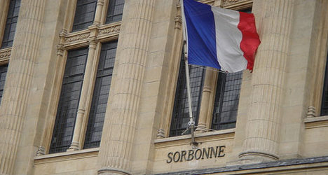 French MPs back English courses plan for unis