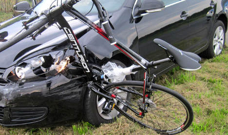 Bare-headed cyclists at 'some fault' for injuries