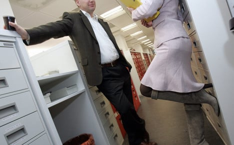 Office seduction scores among young Germans