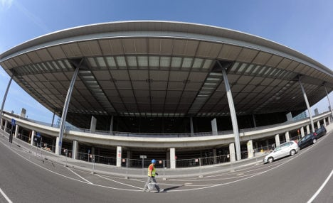 New Berlin airport has 66,500 problems