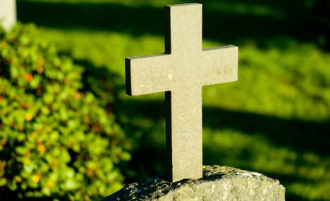 Graveyard cremates wrong body in mix-up