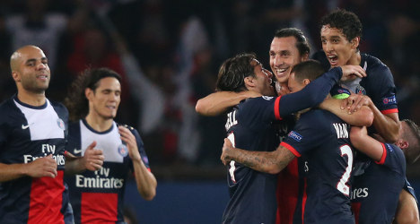 PSG hammer Benfica to lay down marker