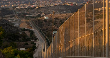 Spain tightens African borders with barbed wire