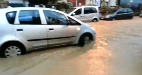 Storms trigger floods in Rome and Tuscany