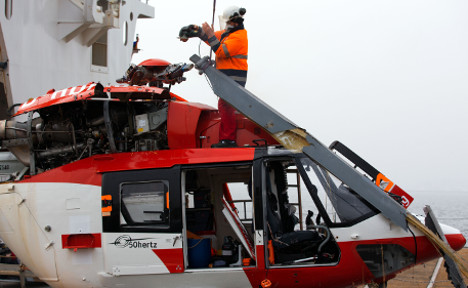 Flight experts probe deadly helicopter crash