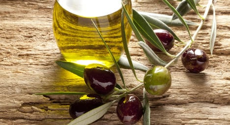 Italy defends olive oil against British fat attack