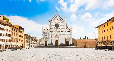 Florence boosts security to tackle drunken tourists