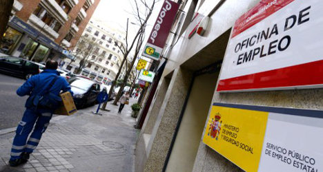 Spain 'fiddles numbers' to shave jobless rate