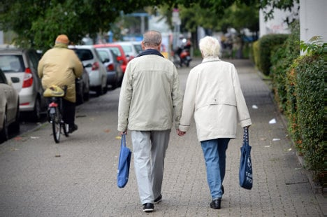 Ageing Germany lowers retirement age