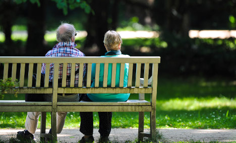 Coalition agrees to lower retirement age to 63