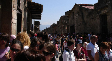 French tourist held for stealing piece of Pompeii