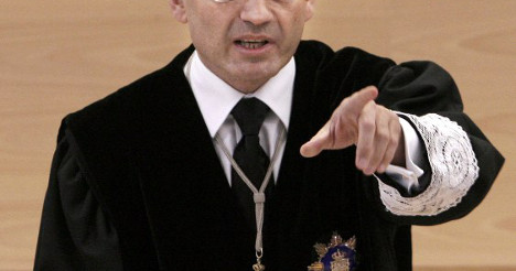 Judges 'can't tell scruffy cops from criminals'