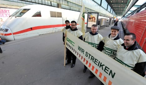 Train drivers vote in favour of strikes