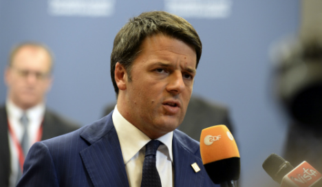 Tens of thousands in Renzi Rome protest