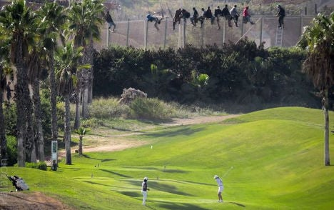 Viral border photo shows two worlds collide