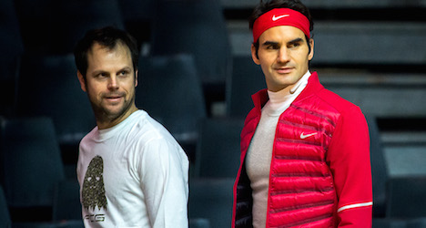 Swiss Davis Cup hopes rise as Federer practices