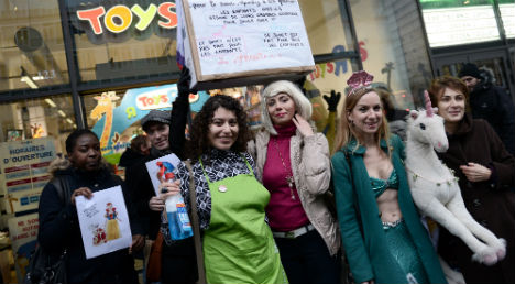 French feminists protest 'gendered' toy sales
