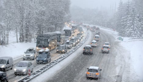 Heavy snow in French Alps causes traffic chaos