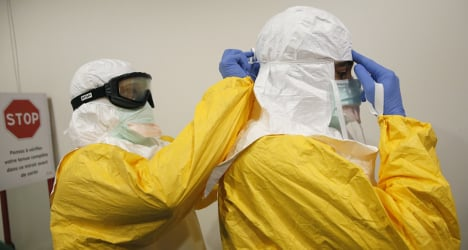 Roche gets go ahead for Ebola detection test
