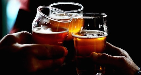 MPs end 'happy hours' tippling in Vaud bars