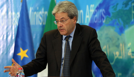 Italy joins anti-Isis coalition meet in London