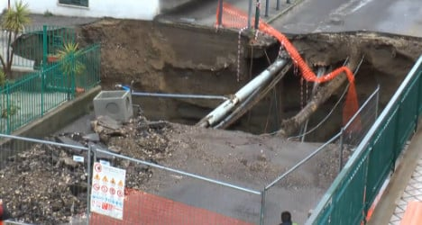 VIDEO: Massive sinkhole opens up in Naples