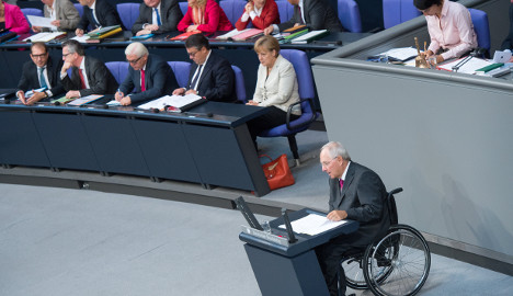 Schäuble starts selling Greek deal to MPs