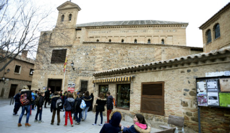 New law welcomes back Spain's expelled Jews