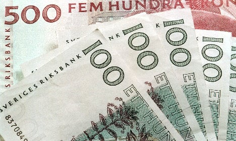 Sweden cuts key interest rate to new record low