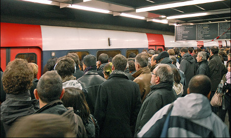 Chinese tourists warned to stay off RER trains