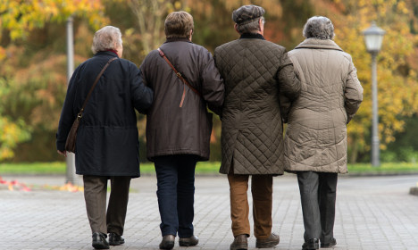 Strong economy boosts pension payouts