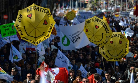 Spain anti-abortion rally challenges government