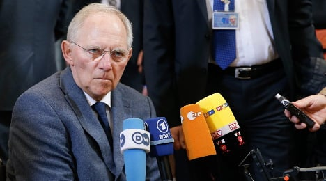 Schäuble insists: Greece will answer to Troika