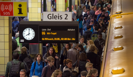 DB and train drivers 'working on mediation'