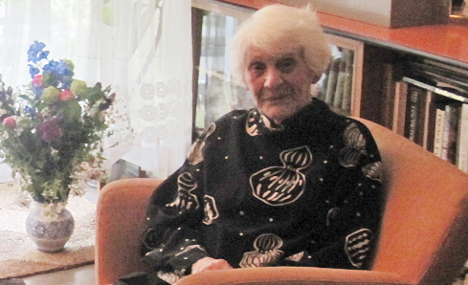 102-year old finally earns Nazi-denied doctorate