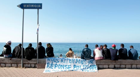 France tells Italy to take in border migrants