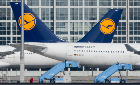 Lifted by cheap fuel, Lufthansa triples profit