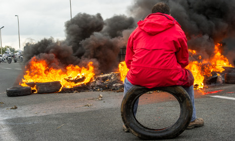 'British protectionism caused French strikes'