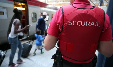 Journo 'tests' French rail security with fake gun