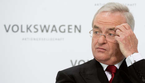 VW CEO says he will not resign, despite pressure