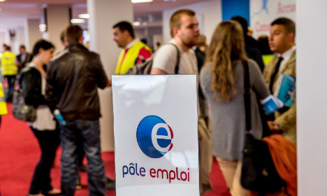 France sees biggest drop in jobless rate since 2007