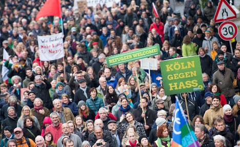 1000s mobilize against far-right in Cologne