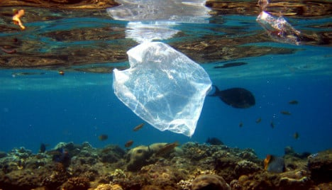 Retailers plan 20-cent charge on plastic bags