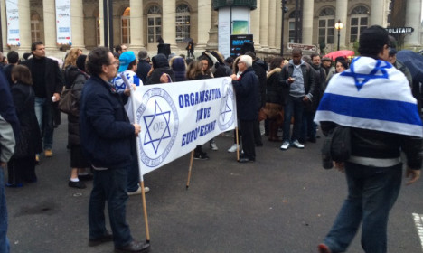 Jewish extremists attack reporter and AFP in Paris