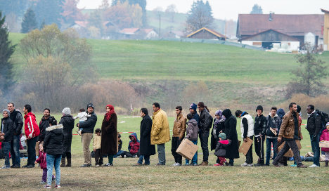 Germany extends refugee checks at border