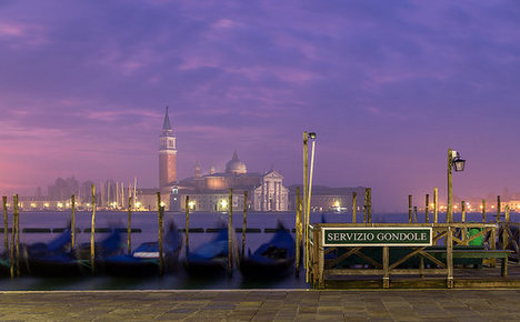 Record low tide dries Venice's famous canals