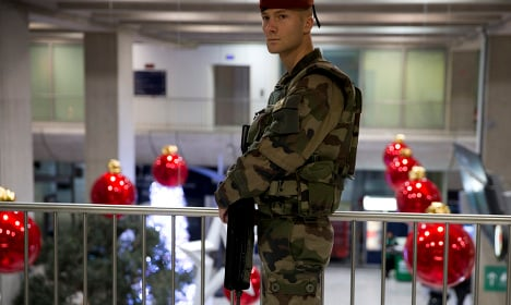 France pulls security passes for airport staff